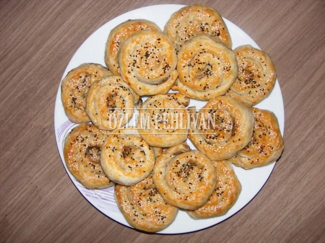Sar Sarmala Patlıcanlı Börek