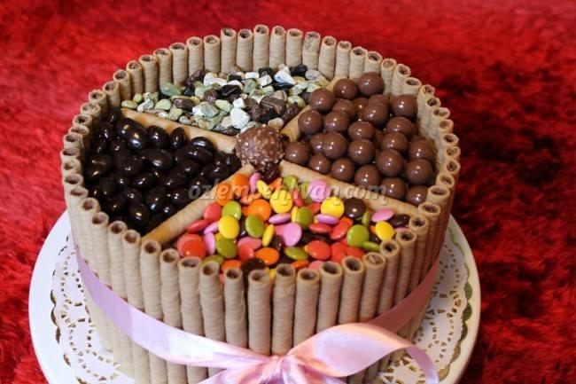 Bol Çikolatalı, Bonibonlu Pasta