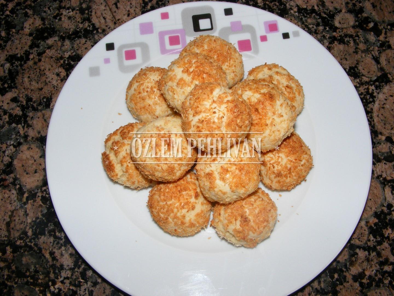 anne-kurabiye-hindistan-cevizli-tarifi